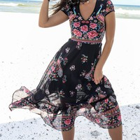 Start Somewhere Black Floral Print Maxi Dress