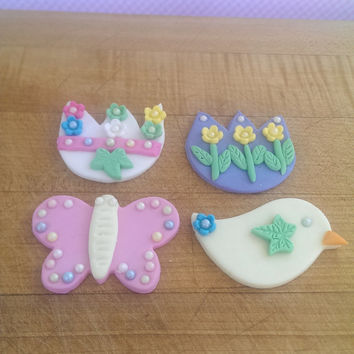 Easter Fondant Cupcake Topper Collection. Includes 12 (one dozen) 3 of each pattern.