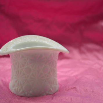 Fenton, Milk Glass, 1960s Vintage, Top Hat.
