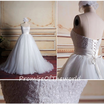 Sweetheart Empire Lace Appliques Wedding Dress Ball Gown Organza Beaded Corset Back Up Chapel Train