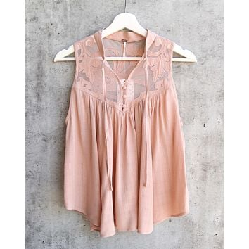 Free People - Western Romance Mesh Applique Top in Rose/Mauve