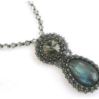 Labradorite Pendant - pendant with labradorite and crystals Swarovski - seed bead jewelry