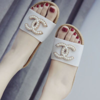 GUCCI 2018 flat casual feet shoes imitation Ma massage bottom exposed toe beaded sandals White