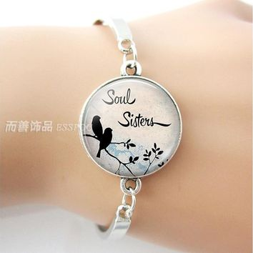 Soul Sisters Quote Bracelet Retro Literary Glass Cabochon Friendship Accessories Jewelry Women Silver Bangle Best Friend Gift