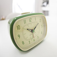 Retro-Style Alarm Clock in Green
