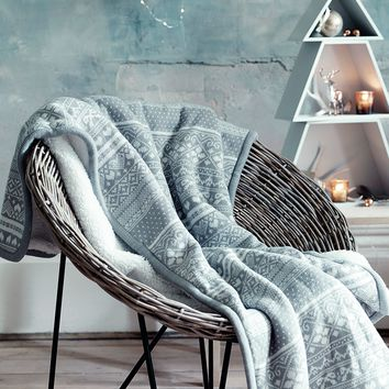 NEW Frosted Grey Knitted Throw