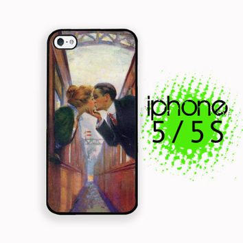 Between Trains Lovers Kiss iPhone 5S Case | iPhone 5  Plastic or Rubber Hard Case White or Black Vintage Image