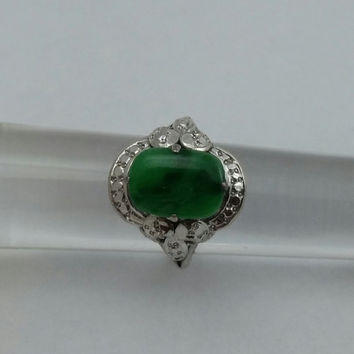 Gold 18 Karat Vintage Ring Woman's Antique White Gold with Jade Gemstone from SterlinGold Treasures