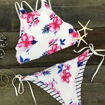 Sexy high neck background white pink floral print back polyline stripe two side wear bottom side knot two piece bikini bathing suit