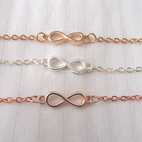 Infinity Bracelet - 3 colors available (gold, rose gold and silver) - Adjustable length, chic, dainty, cute, delicate bracelet jewelry
