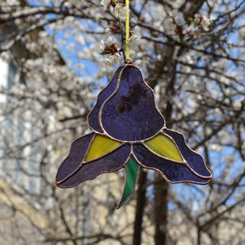 Stained Glass Flower Ornament in grape purple, yellow and green colors, Stained Glass Iris Suncatcher D3, Window Decoration or Wall Decor