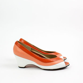 orange leather wedges 8 / 1970s peeptoe shoes / Magdesians