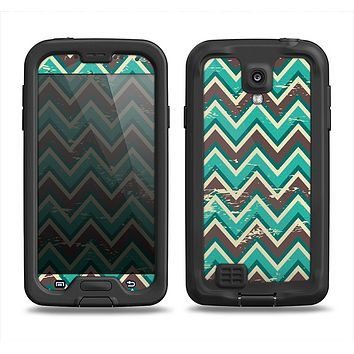 The Vintage Green & Tan Chevron Pattern V4 Samsung Galaxy S4 LifeProof Fre Case Skin Set