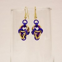 Earrings chainmaille polyhedron purple gold fushia anodized aluminum