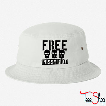 Free Pussy Riot 00 bucket hat