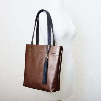 Metallic Dark Bronze and Black Leather Tote with Tassel Keychain Purse Charm, Everyday Shoulder Bag, Minimal Leather Tote