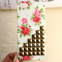 iphone 5 case, Bronze Studded Iphone Case, Vintage red Flower Rose white Iphone 5 Case, Hard case
