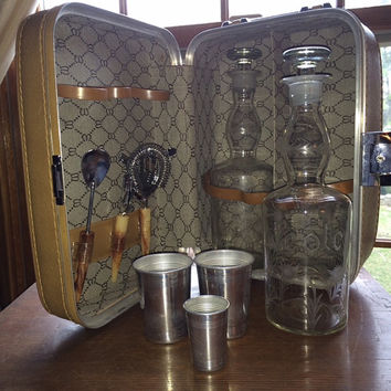 Vintage US Luggage Travel Bar Tan Leather Outside With 2 Etched Liquor Decanters, Strainer, Mixer, Opener and Stainless Cups