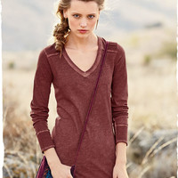 Lark V-Neck Tee - Fall Tees & Tops - Tees & Tops