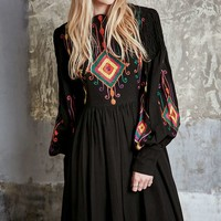 One-of-a-Kind Vintage 70s Embroidered Indian Dress - Urban Outfitters