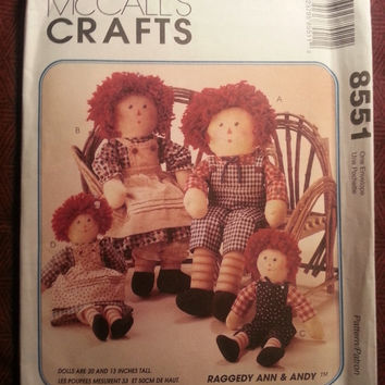 """Uncut 1996 McCall's Sewing Pattern, 8551! Raggedy Ann & Andy Stuffed Dolls and Clothes/20"""" and 13"""" Tall Dolls/Transfers/Apron/Overalls"""