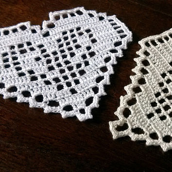 Filet crochet heart Handmade applique shape hearts Beautiful motif lace Stunning design Valentines day Christmas present Crocheted gift idea