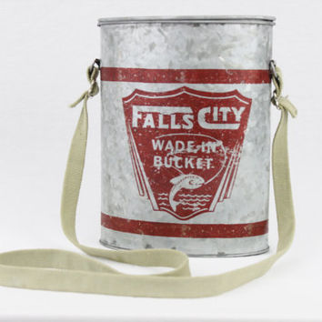 Vintage Style Falls City Wade in Bucket, Oval Minnow Bucket