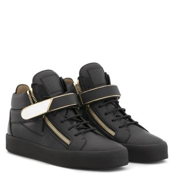 Giuseppe Zanotti Gz Kriss 1/2 Black Leather Mid-top Sneaker With Metal Bar - Best Deal Online