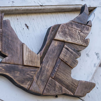 Flying eagle wooden cut out wood sculpture bird art dove hunting unique wood sign wall decor beautiful flying hawk easter