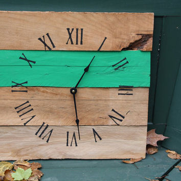 Rustic Clock made from Pallet Wood...Reclaimed wood clock...Custom Color