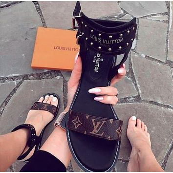 Louis Vuitton LV Classic Retro Popular Slipper Women Sandals Shoes