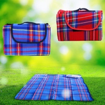 "59"" X 79"" Waterproof Outdoor Picnic Camping Moistureproof Mat Plaid Blanket H8798 Travel Accessories [7896821639]"