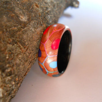 US 7.75/18.0mm coloured pencil ring with makassar ebony band, handmade