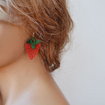 Earrings, Crochet strawberry Earrings, Summer Earrings, Dangle Earrings, Red and Green, Gift Ideas