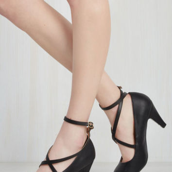 Snug as a Jitterbug Heel in Black | Mod Retro Vintage Heels | ModCloth.com