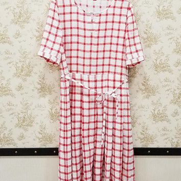 Red and white short sleeve printed check linen dress