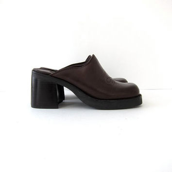 vintage 90s chunky tall platform mules. leather clogs.