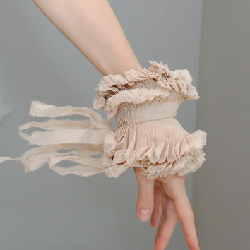 Beige Ruffled cuff/ Ruffle bracelet/ Fabric bracelet/ Beige Wedding/ Rustic wrist cuff/ Detachable cuff/rusteam bioteam/  under 25