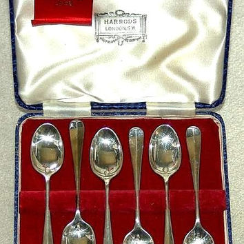 Cased Set of Six Solid Silver Hanoverian Rat Tail Queen Elizabeth II Coronation Spoons by Harrods, Hallmarked for Sheffield 1953 (ref: 2224)