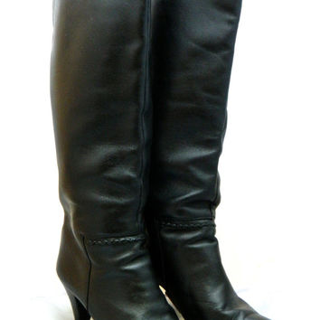 Vintage 1980s black heeled leather boots with feature stitch detail