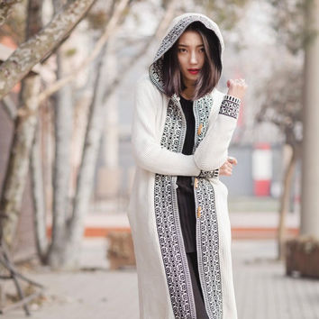 women Long Cardigans with tassels Women Sweater boho Chic Lady Winter warm Knitted brand fashion clothing high quality