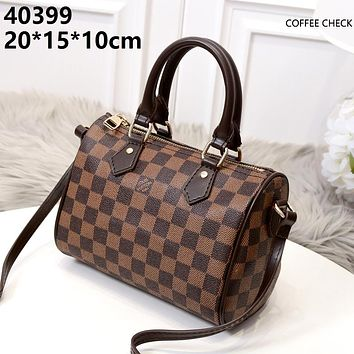 LV 2019 new simple wild driving old flower female shopping bag handbag shoulder bag Coffee check