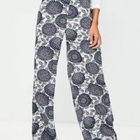 Missguided - Cream Botanical Print Bubble Crepe Wide Leg Pants