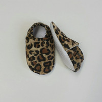 Handmade Soft Cloth Baby Moccs / Moccasins / Booties / Crib Shoes Leopard print Cheetah