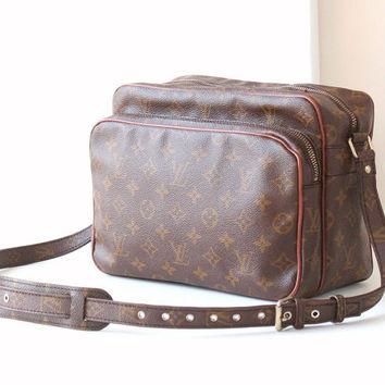 Tagre™ Vintage Louis Vuitton Monogram Nil Maroon Shoulder Cross body bag authentic purse