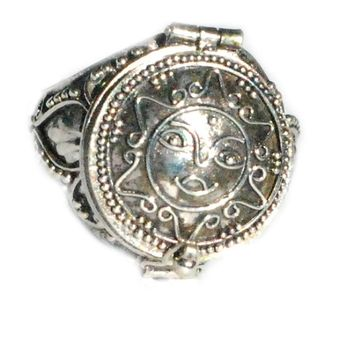 Sterling Silver Poison Ring with Round Sun Flower Face Design