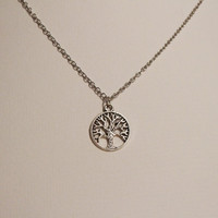 Once upon a time, Regina's apple tree necklace