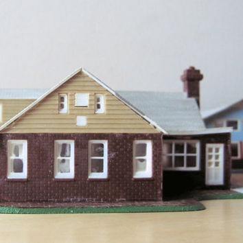 midcentury cape cod built up model home kit HO scale by ionesAttic