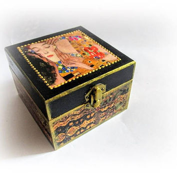 Klimt The Kiss Jewelry Box Ring Box Gift for Girlfriend Christmas Gift Maid of Honor Gift Bridesmaid Wood Decoupage Box Trinket Box Earing