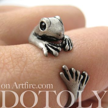 Miniature Lizard Gecko Animal Wrap Around Ring in Silver - Sizes 4 to 9 Available